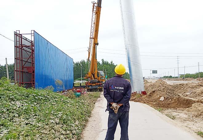 洛阳擎天柱广告塔安装厂家--恒科钢构