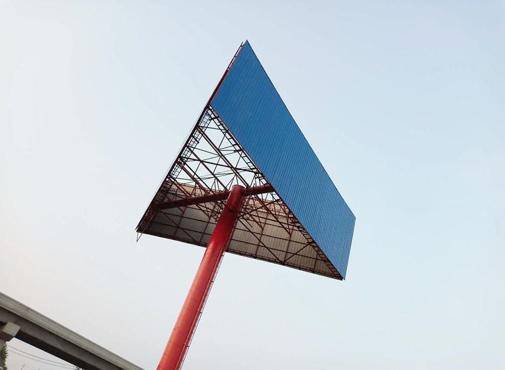 凌源擎天柱广告塔安装公司--恒科钢构