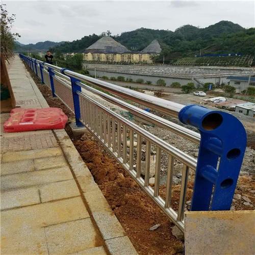 朝阳不锈钢复合管河道景观护栏专业加工定制