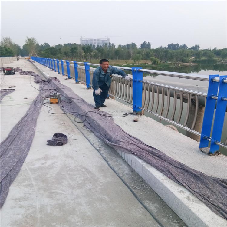 辽阳不锈钢复合管河道景观护栏大量加工